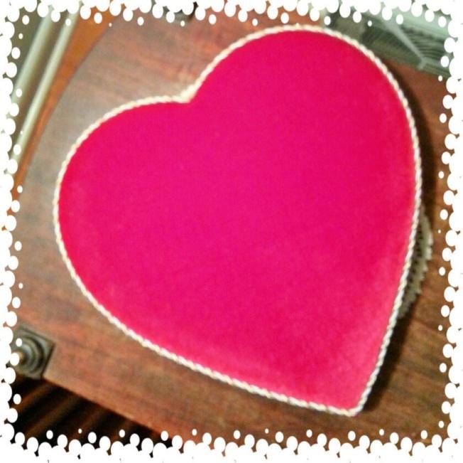 {last year's heart, it feel like red velvet}